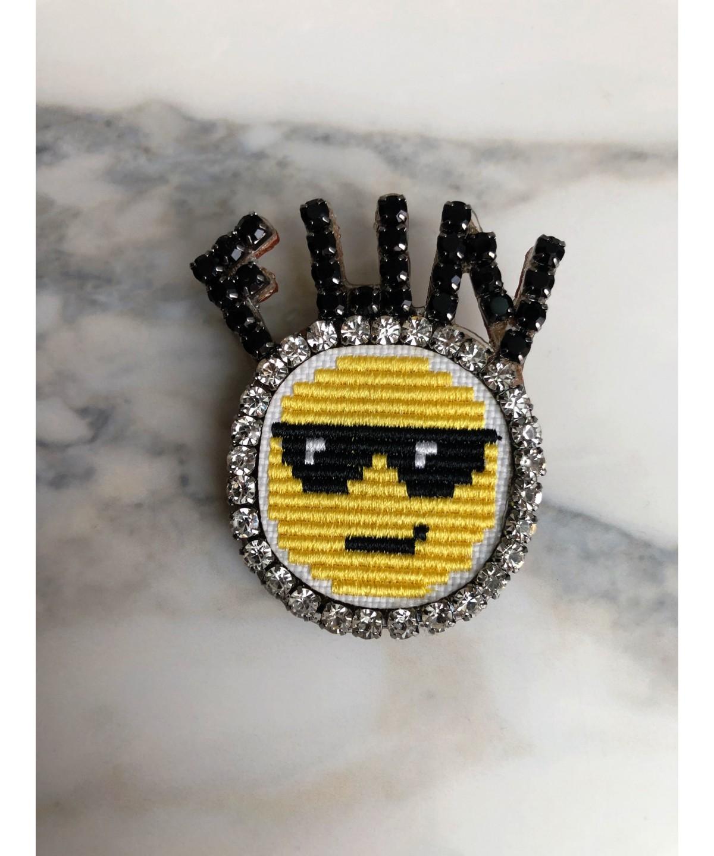 'Emoji' brooch