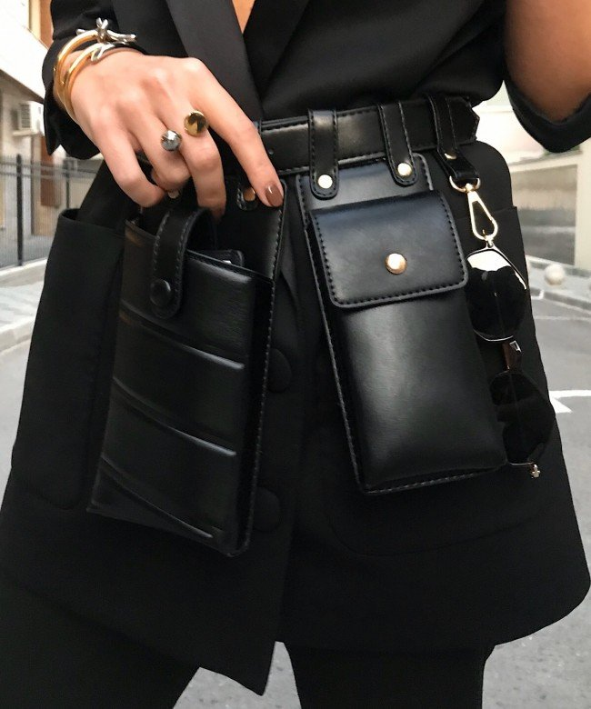 'Girls with Guns' matt bag